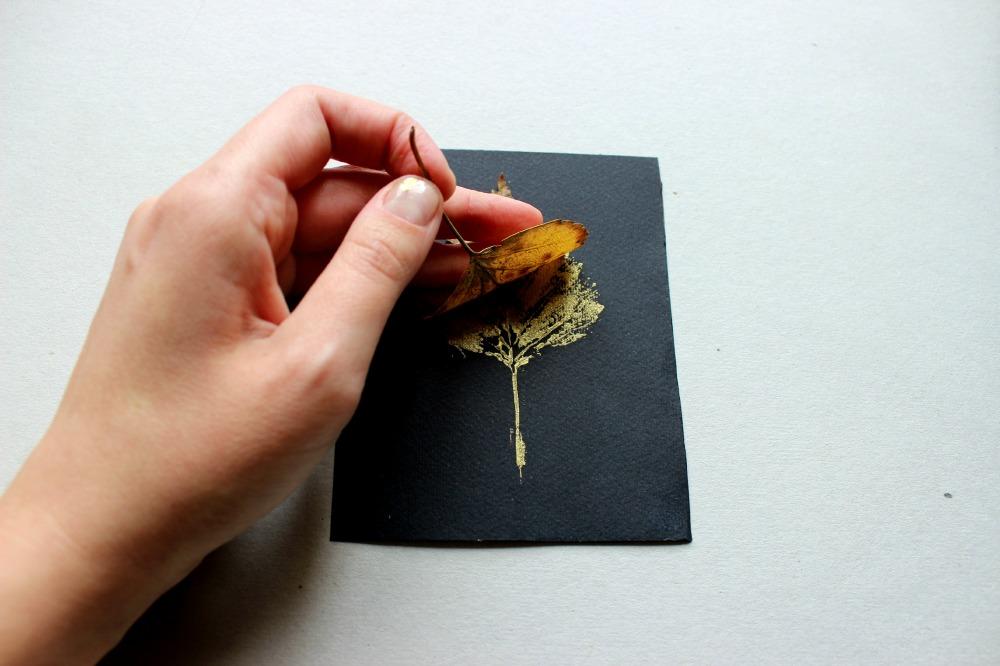 stampa con le foglie