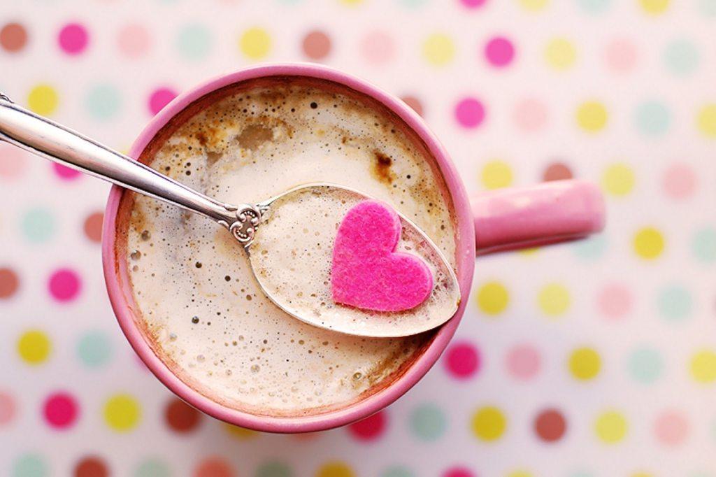 colazione cuore rosa san valentino