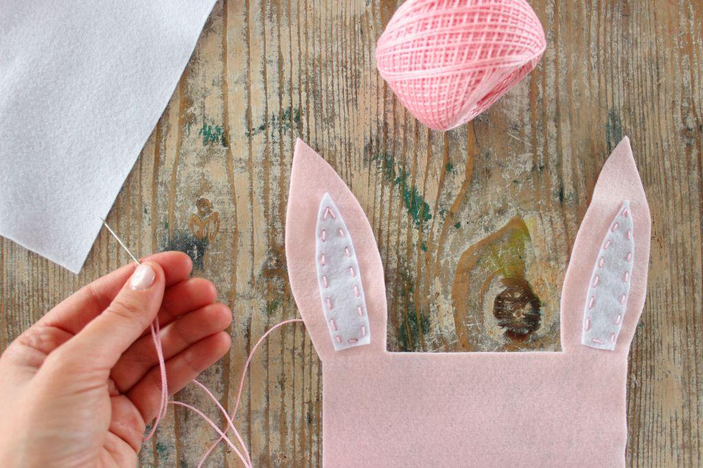 tutorial cucito creativo feltro pannolenci coniglio fai da te porta cioccolatini