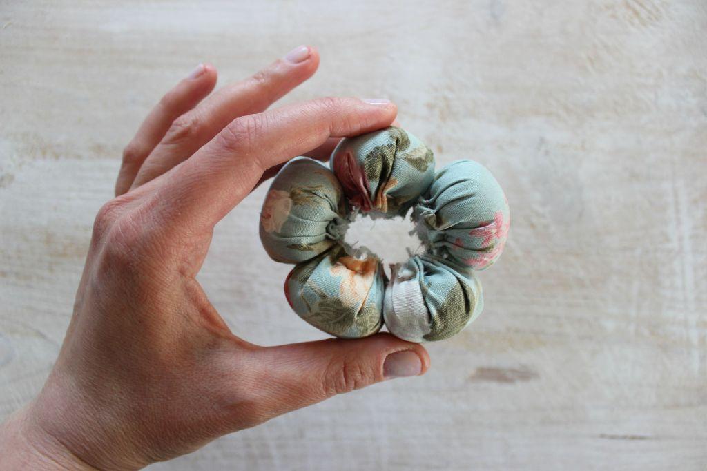 cucito facile tutorial fiore di stoffa