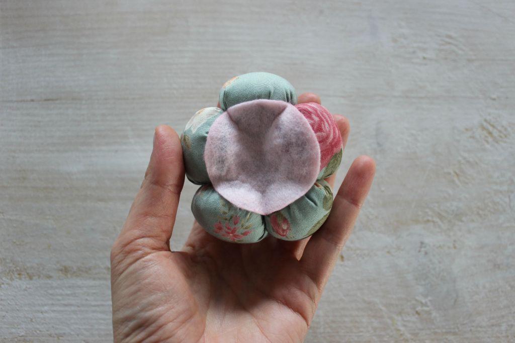 fiore decorativo tessuto feltro pannolenci fatto a mano